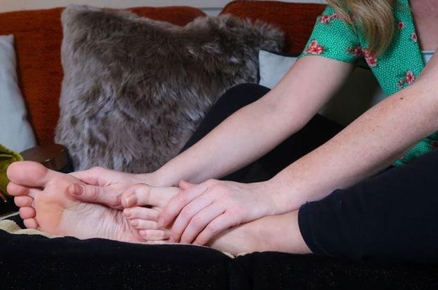 4 mesmerizing ASMR Feet videos for your entertainment